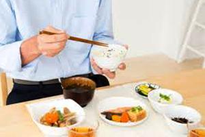 取り外し可能で食事も快適の画像
