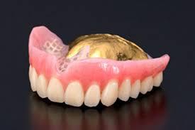様々な入れ歯の画像