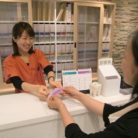 歯科助手・受付の受付業務の画像