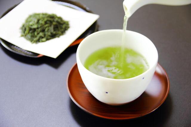 緑茶を飲んでナチュラルオーラルケア